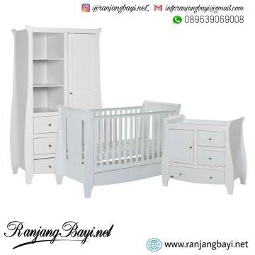 set kamar bayi putih